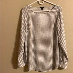 Beautiful Ann Taylor career blouse size medium
